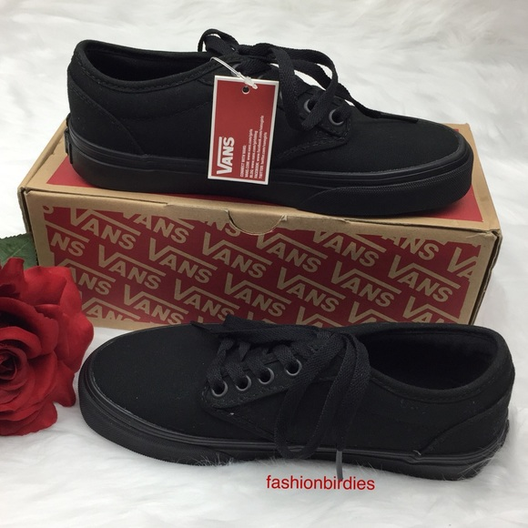 4cd8687f75 NWT Vans Atwood Canvas Black Low Top Shoes